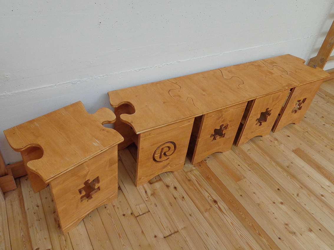 Bench and stools puzzle - Rocchi